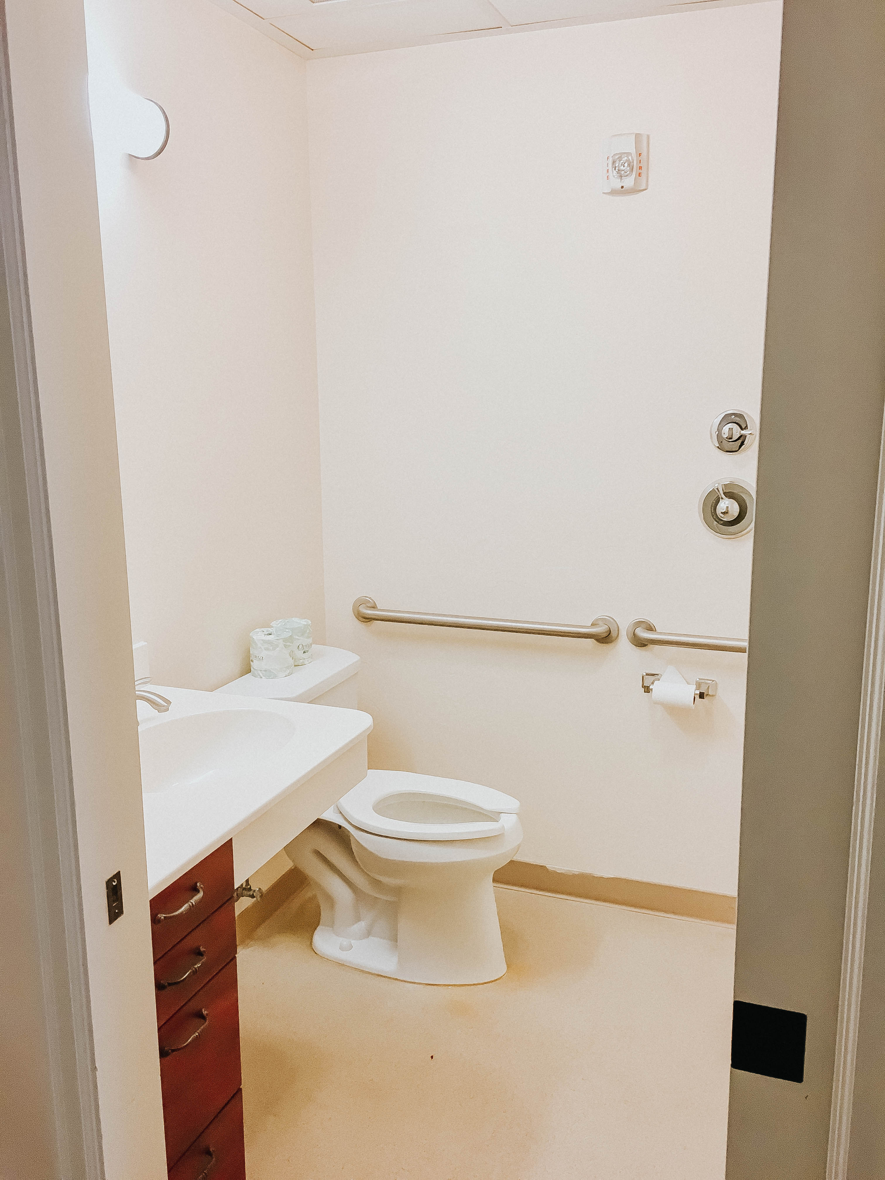 Tambree Meadows Assisted Living and Memory Care Bathroom